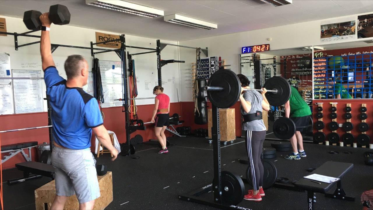 Kleingruppentraining FitnessWerkstatt Gewichte